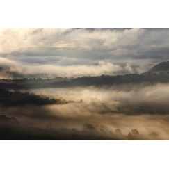Vallée embrumée